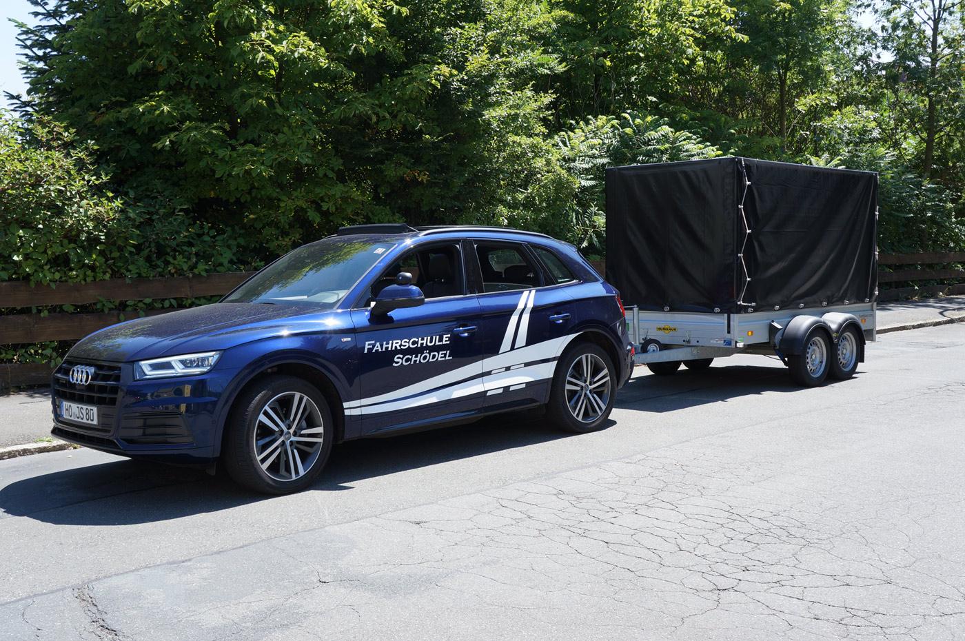 Audi Q5 mit Anhänger